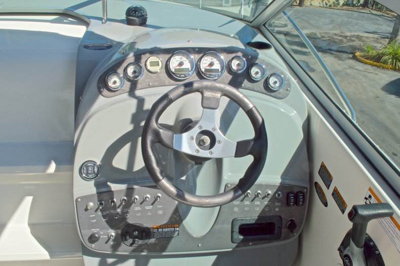 Thumbnail 27 for Used 2007 Maxum 2400 SE boat for sale in West Palm Beach, FL