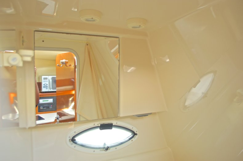Thumbnail 54 for Used 2007 Maxum 2400 SE boat for sale in West Palm Beach, FL