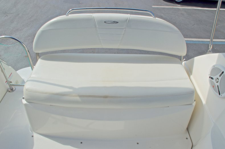 Thumbnail 16 for Used 2007 Maxum 2400 SE boat for sale in West Palm Beach, FL