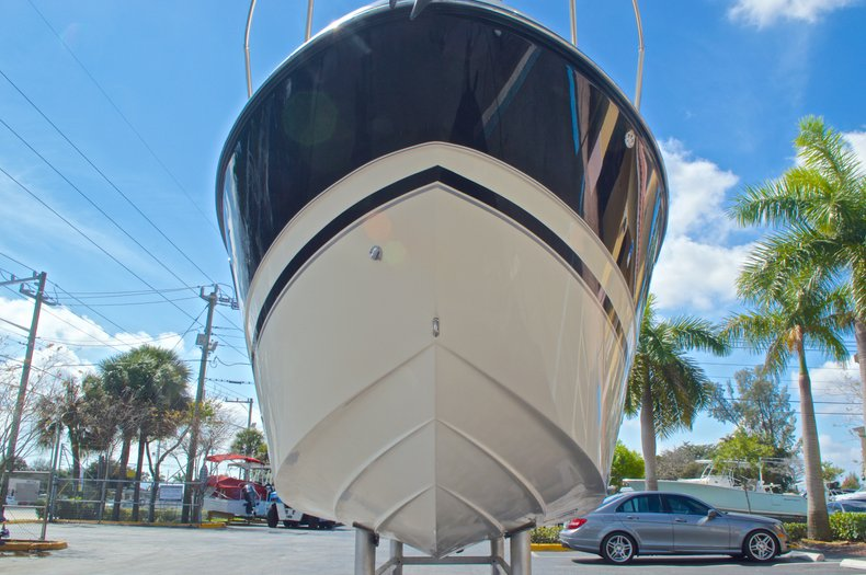 Thumbnail 3 for Used 2007 Maxum 2400 SE boat for sale in West Palm Beach, FL