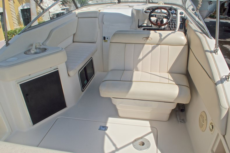 Thumbnail 11 for Used 2002 Monterey 262 Cruiser boat for sale in West Palm Beach, FL