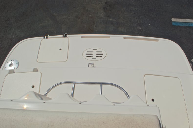 Thumbnail 14 for Used 2002 Monterey 262 Cruiser boat for sale in West Palm Beach, FL