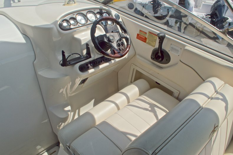 Thumbnail 29 for Used 2002 Monterey 262 Cruiser boat for sale in West Palm Beach, FL