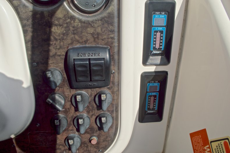 Thumbnail 35 for Used 2002 Monterey 262 Cruiser boat for sale in West Palm Beach, FL