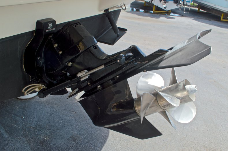 Thumbnail 10 for Used 2002 Monterey 262 Cruiser boat for sale in West Palm Beach, FL
