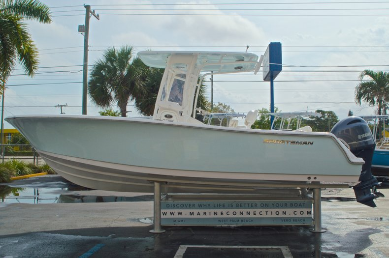 Thumbnail 4 for Used 2014 Sportsman Heritage 231 Center Console boat for sale in West Palm Beach, FL