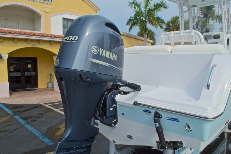 Thumbnail 9 for Used 2014 Sportsman Heritage 231 Center Console boat for sale in West Palm Beach, FL
