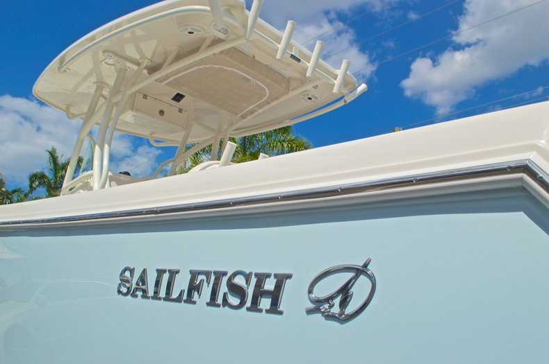 Thumbnail 39 for New 2016 Sailfish 270 CC Center Console boat for sale in West Palm Beach, FL
