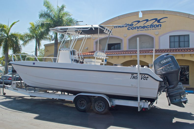 Image 1 for 2005 Twin Vee 26 CC Center Console in West Palm Beach, FL