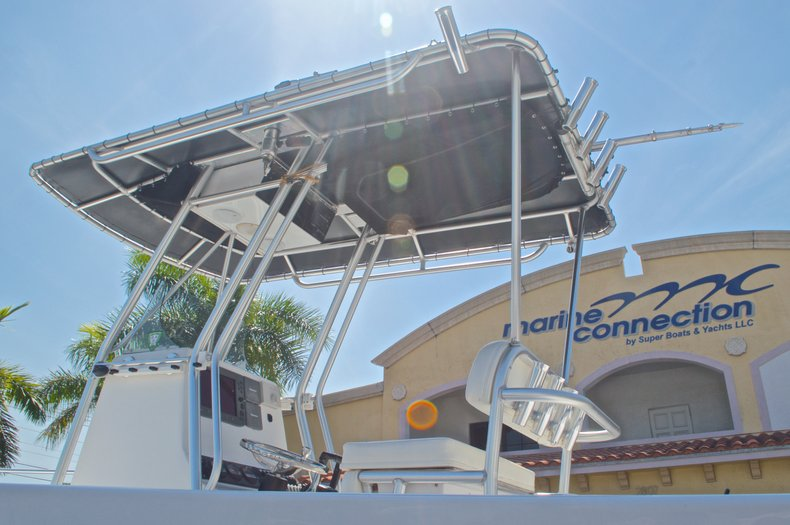 Image 10 for 2005 Twin Vee 26 CC Center Console in West Palm Beach, FL