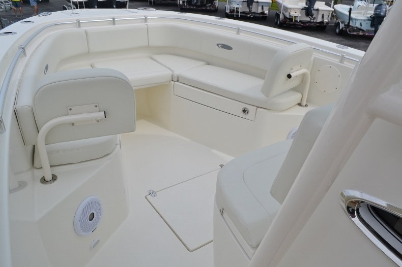 Thumbnail 14 for New 2016 Cobia 261 Center Console boat for sale in West Palm Beach, FL