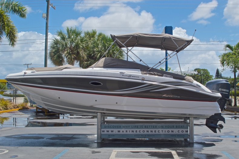 Used 2015 Hurricane Sundeck Sd 2400 Ob Boat For Sale In