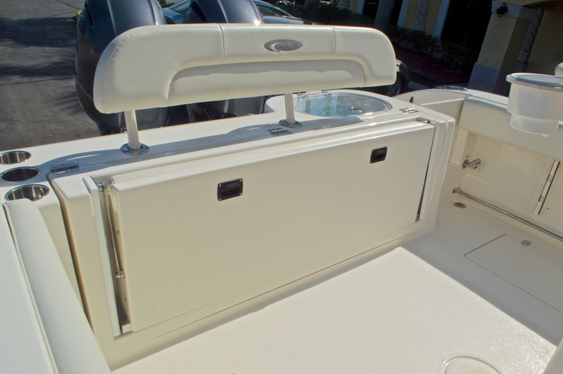 Thumbnail 17 for New 2016 Cobia 261 Center Console boat for sale in West Palm Beach, FL