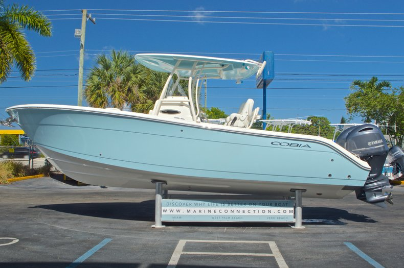 Thumbnail 5 for New 2016 Cobia 261 Center Console boat for sale in West Palm Beach, FL