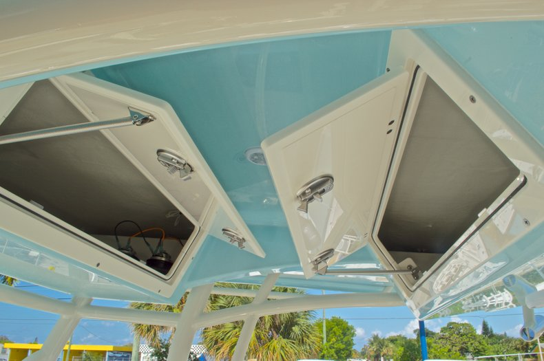 Thumbnail 31 for New 2016 Cobia 261 Center Console boat for sale in West Palm Beach, FL