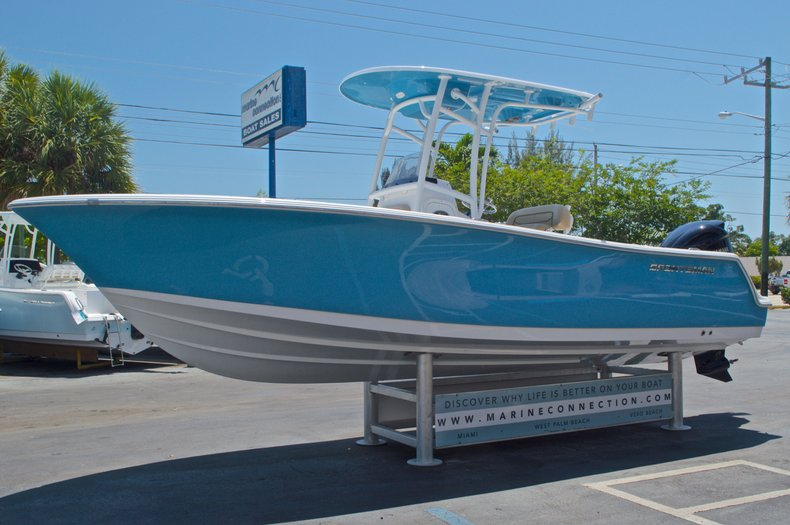 Thumbnail 4 for New 2016 Sportsman Heritage 231 Center Console boat for sale in West Palm Beach, FL