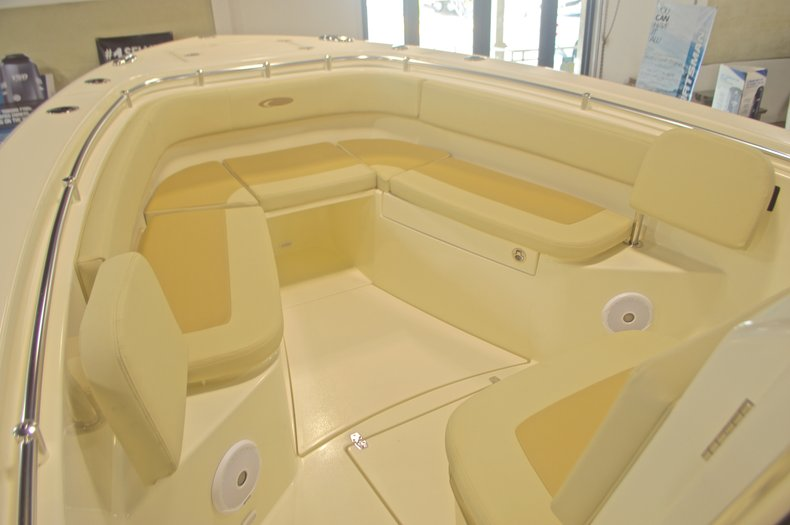 Thumbnail 38 for New 2016 Cobia 277 Center Console boat for sale in West Palm Beach, FL