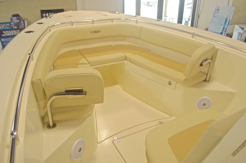 Thumbnail 39 for New 2016 Cobia 277 Center Console boat for sale in West Palm Beach, FL