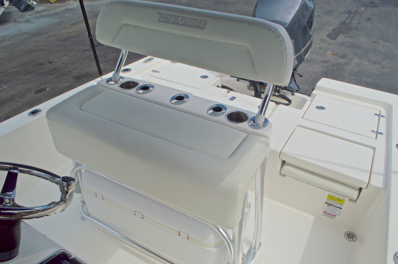 Thumbnail 25 for Used 2013 Pathfinder 2200 TRS Bay Boat boat for sale in West Palm Beach, FL