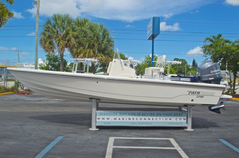 Thumbnail 11 for Used 2013 Pathfinder 2200 TRS Bay Boat boat for sale in West Palm Beach, FL