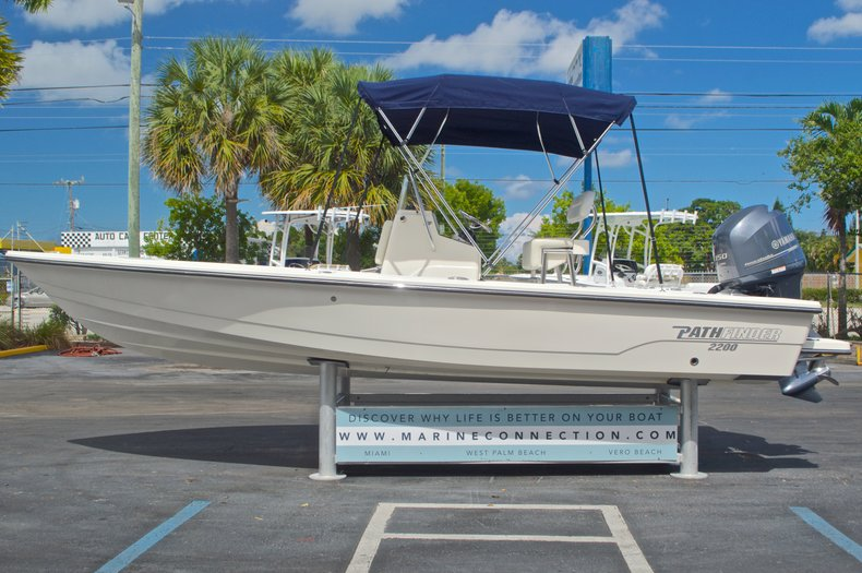 Thumbnail 4 for Used 2013 Pathfinder 2200 TRS Bay Boat boat for sale in West Palm Beach, FL