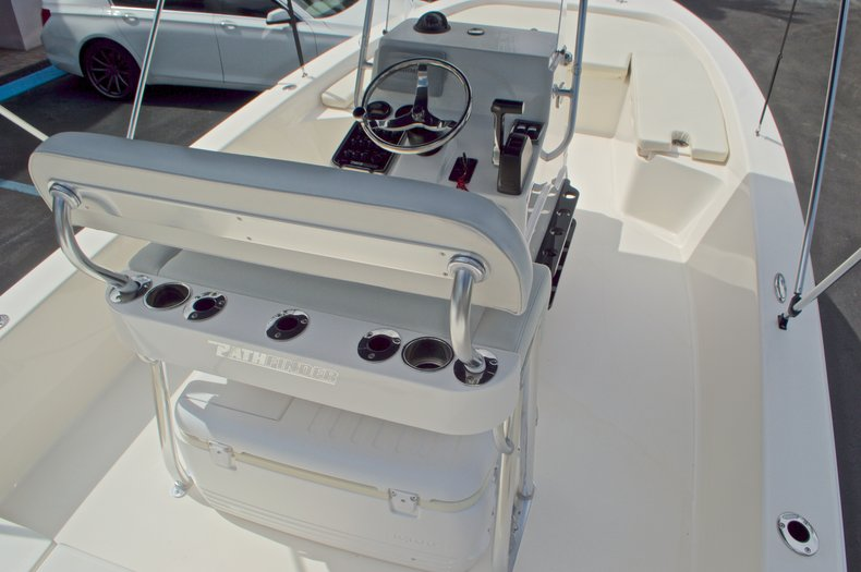 Thumbnail 14 for Used 2013 Pathfinder 2200 TRS Bay Boat boat for sale in West Palm Beach, FL