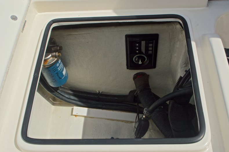 Thumbnail 19 for Used 2013 Pathfinder 2200 TRS Bay Boat boat for sale in West Palm Beach, FL