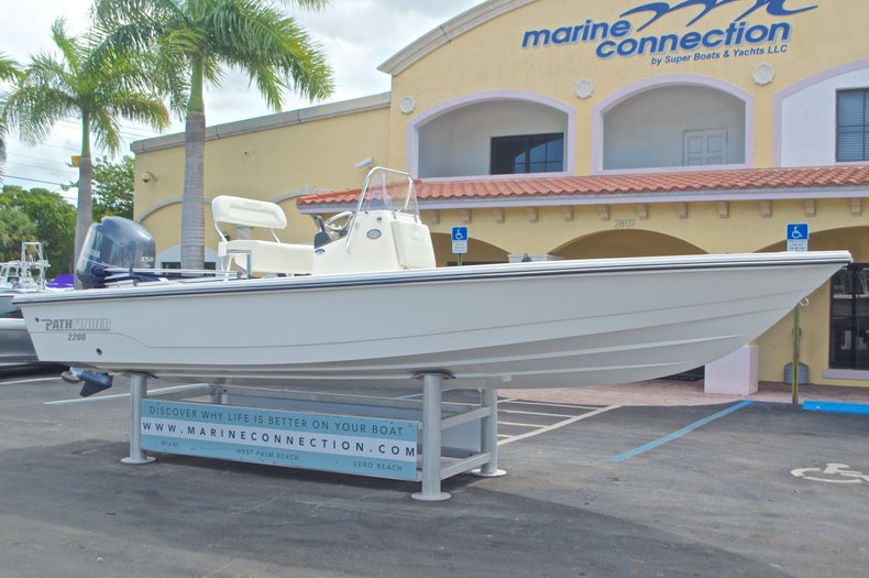 Thumbnail 10 for Used 2013 Pathfinder 2200 TRS Bay Boat boat for sale in West Palm Beach, FL