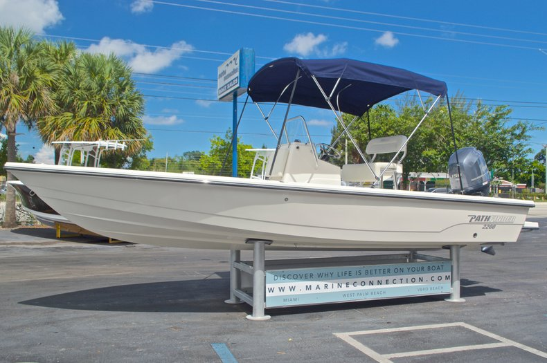 Thumbnail 3 for Used 2013 Pathfinder 2200 TRS Bay Boat boat for sale in West Palm Beach, FL