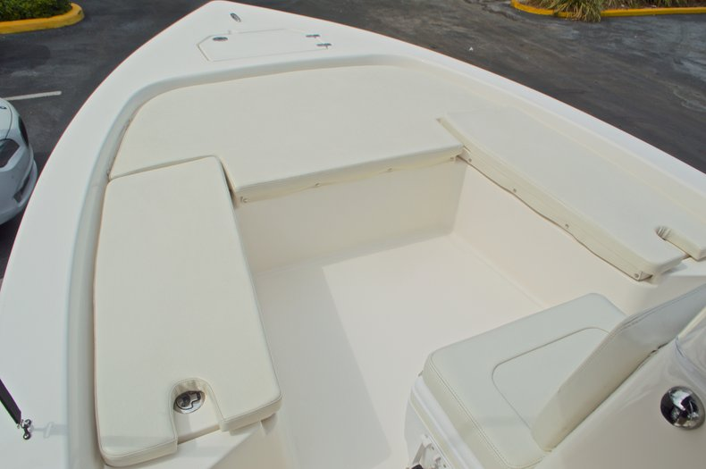 Thumbnail 38 for Used 2013 Pathfinder 2200 TRS Bay Boat boat for sale in West Palm Beach, FL