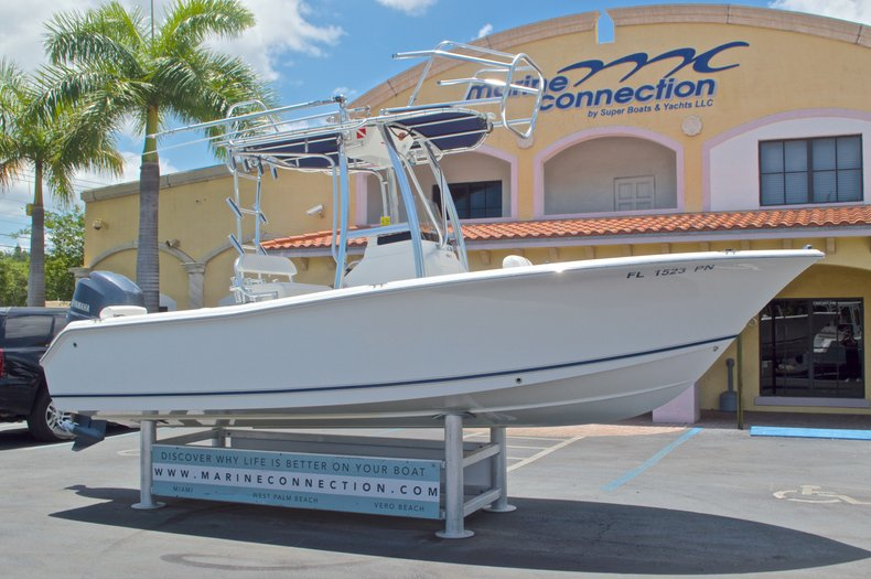 Thumbnail 2 for Used 2013 Sea Hunt 210 Triton boat for sale in West Palm Beach, FL