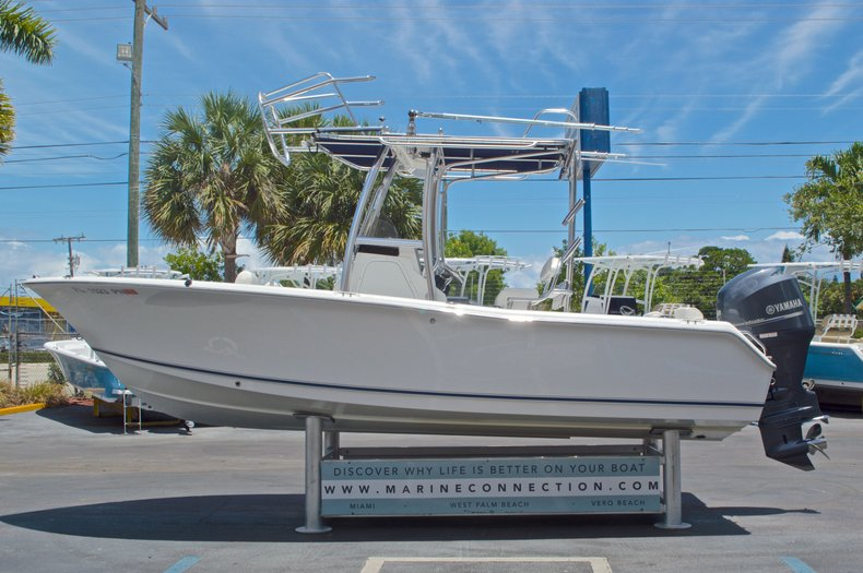 Thumbnail 5 for Used 2013 Sea Hunt 210 Triton boat for sale in West Palm Beach, FL