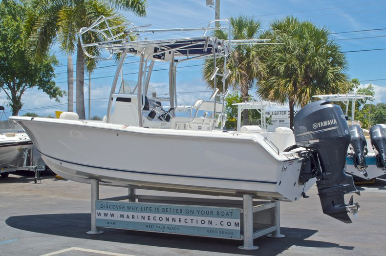 Thumbnail 6 for Used 2013 Sea Hunt 210 Triton boat for sale in West Palm Beach, FL