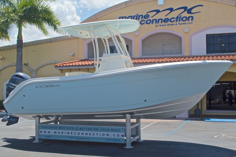 Thumbnail 1 for New 2016 Cobia 220 Center Console boat for sale in West Palm Beach, FL