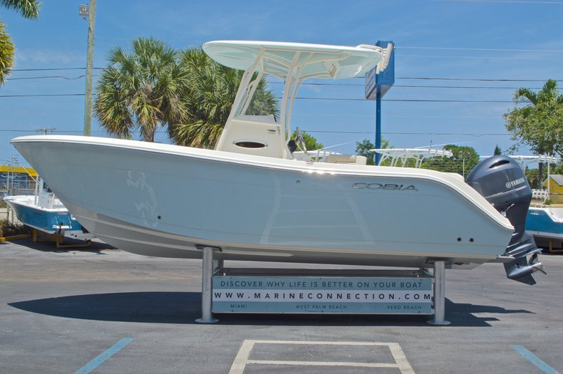 Thumbnail 5 for New 2016 Cobia 220 Center Console boat for sale in West Palm Beach, FL