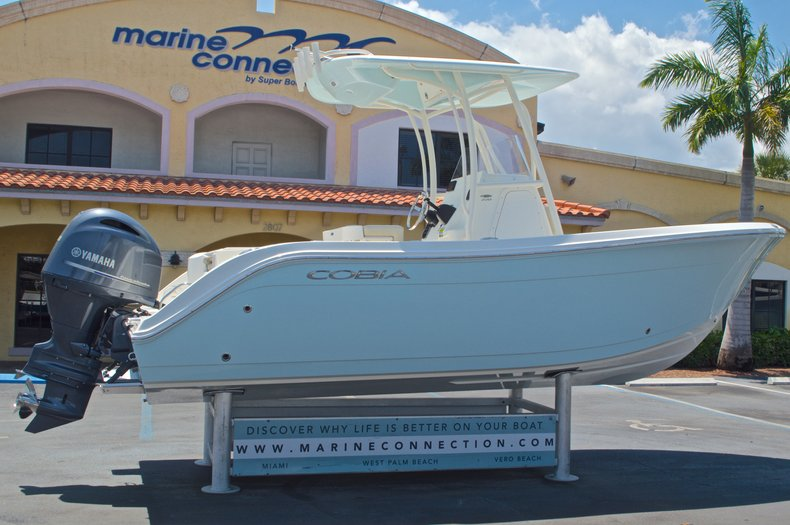 Thumbnail 10 for New 2016 Cobia 220 Center Console boat for sale in West Palm Beach, FL