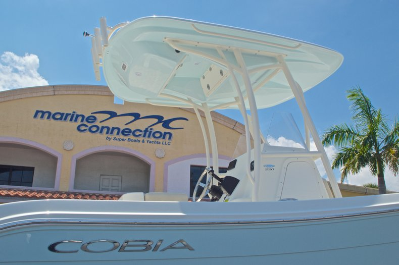 Thumbnail 11 for New 2016 Cobia 220 Center Console boat for sale in West Palm Beach, FL