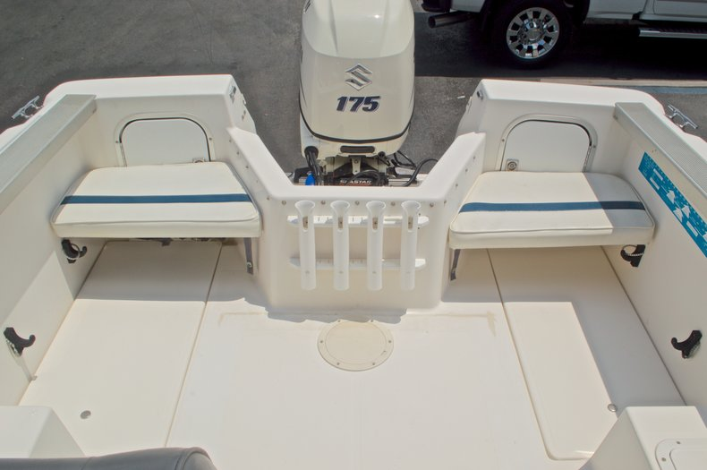 Thumbnail 25 for Used 1998 Bayliner Trophy 2002 WA Walkaround boat for sale in West Palm Beach, FL