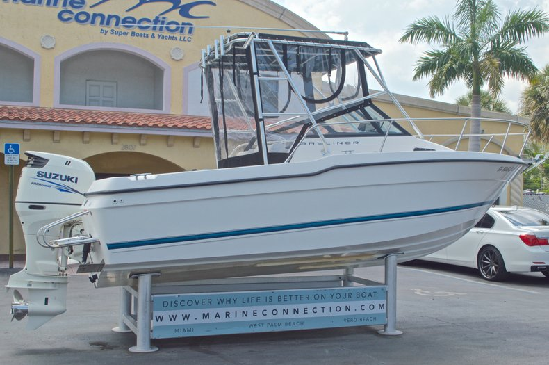 Thumbnail 7 for Used 1998 Bayliner Trophy 2002 WA Walkaround boat for sale in West Palm Beach, FL