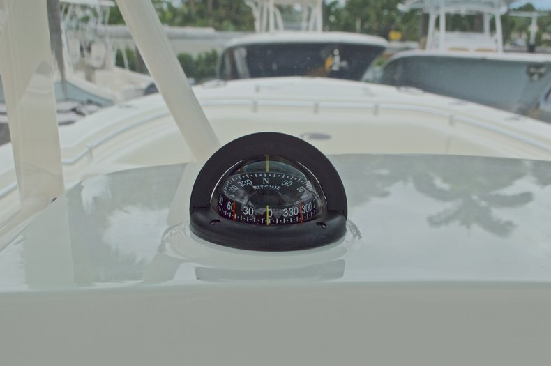 Thumbnail 41 for New 2016 Cobia 277 Center Console boat for sale in West Palm Beach, FL