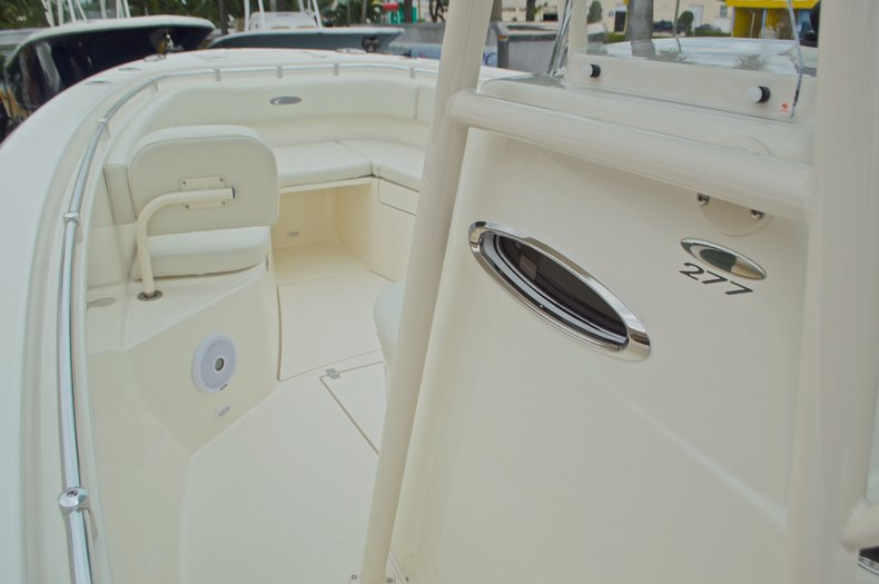 Thumbnail 48 for New 2016 Cobia 277 Center Console boat for sale in West Palm Beach, FL