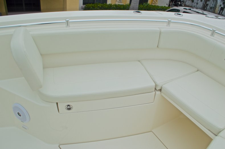 Thumbnail 58 for New 2016 Cobia 277 Center Console boat for sale in West Palm Beach, FL