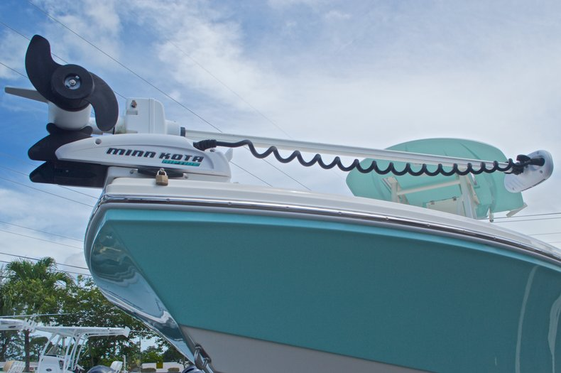 Thumbnail 4 for Used 2014 Pathfinder 2600 HPS Bay Boat boat for sale in West Palm Beach, FL