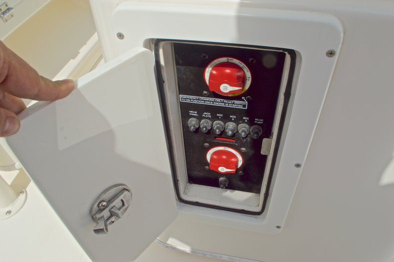 Thumbnail 36 for Used 2014 Pathfinder 2600 HPS Bay Boat boat for sale in West Palm Beach, FL
