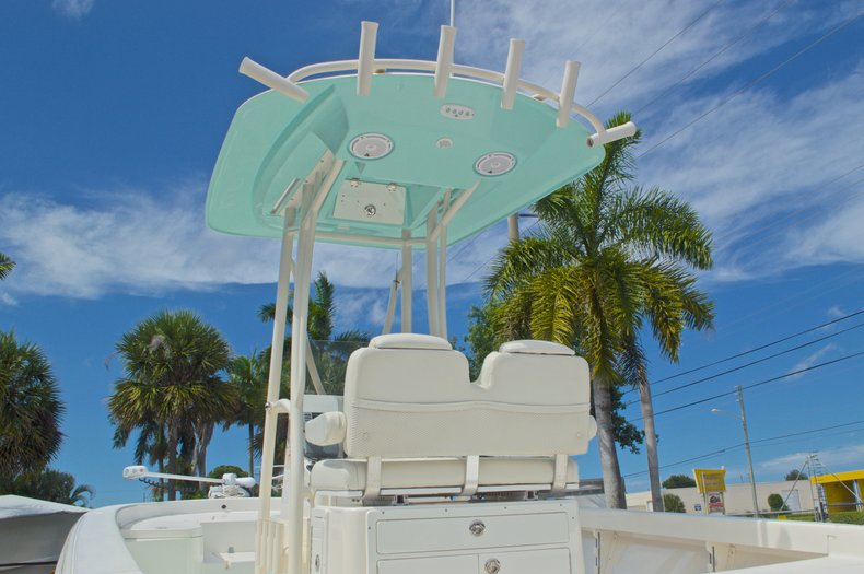 Thumbnail 50 for Used 2014 Pathfinder 2600 HPS Bay Boat boat for sale in West Palm Beach, FL