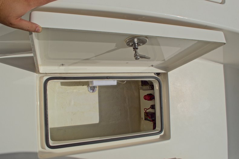 Thumbnail 27 for Used 2014 Pathfinder 2600 HPS Bay Boat boat for sale in West Palm Beach, FL