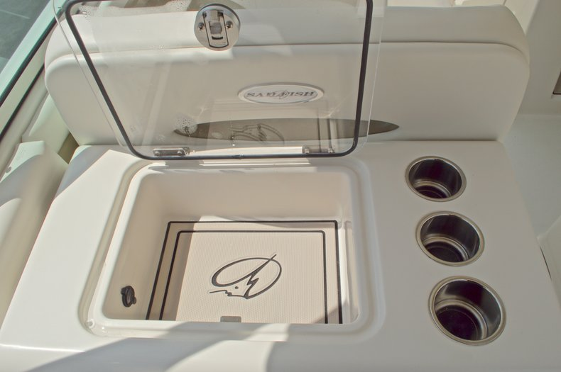 Thumbnail 30 for New 2017 Sailfish 325 Dual Console boat for sale in West Palm Beach, FL