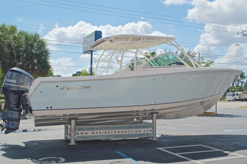 Thumbnail 6 for New 2017 Sailfish 325 Dual Console boat for sale in West Palm Beach, FL