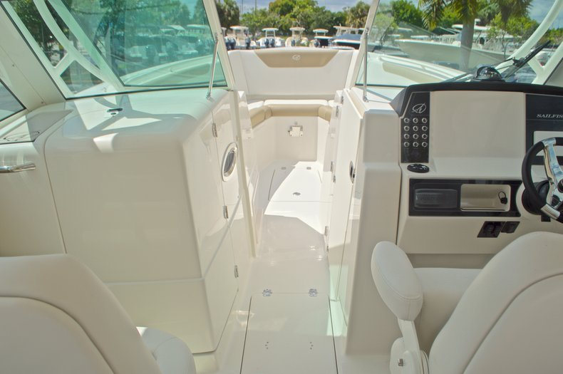 Thumbnail 41 for New 2017 Sailfish 325 Dual Console boat for sale in West Palm Beach, FL