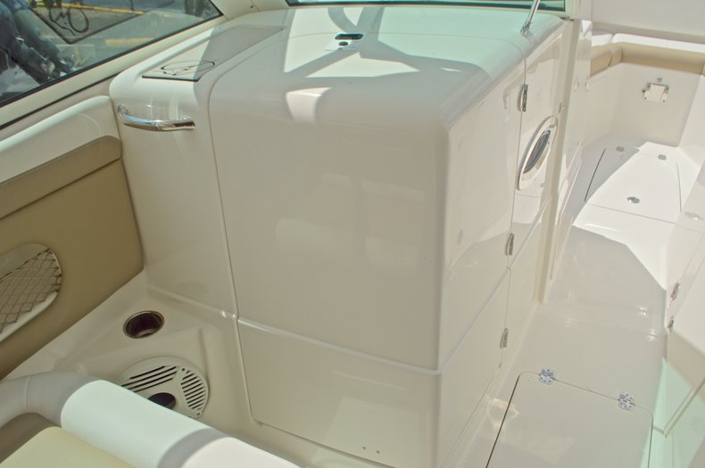 Thumbnail 46 for New 2017 Sailfish 325 Dual Console boat for sale in West Palm Beach, FL